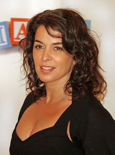 Explore the best Annabella Sciorra quotes here at OpenQuotes. Quotations, aphorisms and citations by Annabella Sciorra Tony Soprano, Annabella Sciorra, Les Sopranos, Italian People, Guys And Dolls, Handsome Actors, Celebrity Pictures, Celebrity Women, Celebrity Portraits