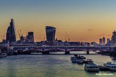 Embedded image permalink London Photos, Embedded Image Permalink, New York Skyline, Community, Places, Travel, Lugares, Trips, Viajes