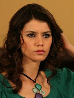 Beren Saat | Ask-i Memnu TV Series 2008-2010