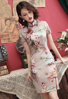 Aesthetic Pastel Wallpaper, Almost Perfect, Cheongsam, Asian Style, Poses, Pretty Girls, Travel Inspiration, Chinese, Beauty