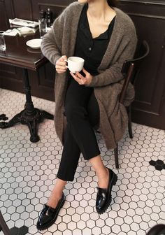 """""""parisian style has always influenced my personal look. they are so effortless & classic"""" Looks Street Style, Looks Style, Style Me, Fashion Moda, Look Fashion, French Style Fashion, Minimalist Fashion French, Minimal Fashion, Skandinavian Fashion"""