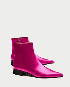 Get the must-have boots of this season! These Zara Fuchsia Satin Pointed Toes Boots/Booties Size US Regular (M, B) are a top 10 member favorite on Tradesy. Pointed Ankle Boots, Ankle Booties, Bootie Boots, Low Heel Shoes, Low Heels, Shoes Heels, Pumps, Michael Kors Stores, Zara Boots
