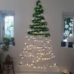 101 Christmas DIY Decorations Easy and Cheap christmas decorations easy Wall Christmas Tree, Creative Christmas Trees, Diy Christmas Decorations Easy, Outdoor Christmas, Simple Christmas, Christmas Holidays, Christmas Crafts, Christmas Ornaments, Diy Christmas Room Decor