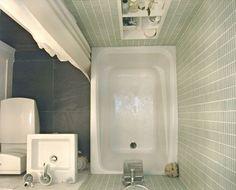 Placard aménagé en petite salle de bain