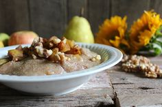 Cinnamon Apple & Pear Amaranth Porridge by Nutrition Stripped. A warm gluten free porridge made with amaranth and the flavors of fall. Warm, delicious, and nutritious. Vegan Breakfast Recipes, Brunch Recipes, Sin Gluten, Amaranth Porridge, Gluten Free Porridge, Amaranth Recipes, Baked Pears, Second Breakfast, Apple Pear
