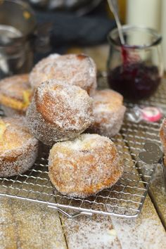 Muffnuts - Muffin Berliner - Muffin Dounts filled with Jam Muffins, Sweet Little Things, Sweet Cupcakes, Cake & Co, Small Cake, Eat Dessert First, Food Humor, No Bake Cake, Sweet Recipes
