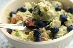 Spis maven flad – Blomkålssalat med avocado og blåbær   Smagsløjer