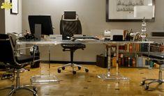 SCRIVANIA MODELLO APE #consolle #trasparente #acrylic #consolle #plexiglass #desk #home #office #madeinitaly http://www.eldoradosas.it/design/consolle/consolle-plexiglass.html