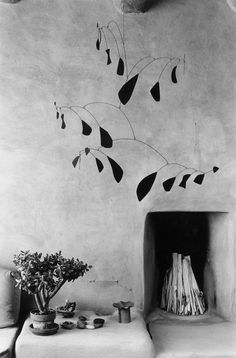 An Alexander Calder mobile also hung in O'Keeffe's New Mexico home. Photo: Courtesy of Rizzoli. New Home Theatre, Home Theater Setup, Home Theater Seating, Home Theater Design, Theater Rooms, Home Theater Installation, Audio Installation, New Mexico Homes, Georgia Okeefe