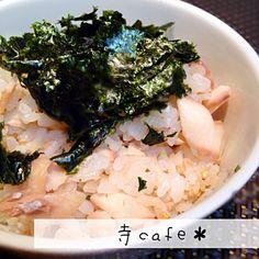 焼いたホッケで、今日は焼き海苔で - 68件のもぐもぐ - ほっけのほぐしフレーク混ぜご飯 by mayumi3