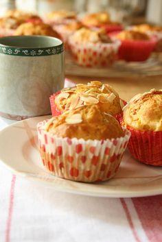 Muffin con pesche e amaretti 6