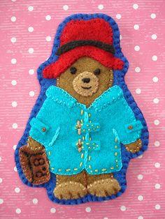 Paddington Bear felt brooch by cupcakecutieNZ Paddington Bear Toy, Bear Felt, Circle Crafts, Felt Gifts, Bear Crafts, Storybook Characters, Bear Party, Felt Brooch, Felt Applique