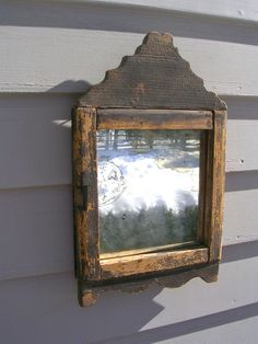 frame Century Country Looking Glass in Early Paint Old Mirrors, Vintage Mirrors, Mirror Mirror, Picture Frame Chalkboard, Picture Frames, Primitive Furniture, Primitive Antiques, Primitive Gatherings, Through The Looking Glass