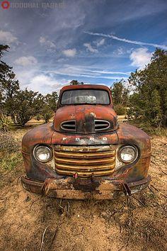 1949 Ford Truck goodhal.blogspot.com/2013/03/debris-017.html