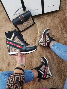 Amazing Handbags and shoe styles to copy Amazing Handbags and shoe styles to copy Crazy Shoes, Me Too Shoes, Sneakers Fashion, Fashion Shoes, Gucci Boots, Gucci Gucci, Shoe Boots, Shoes Heels, Cute Sneakers