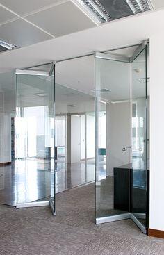 Oficinas Frusan, Santiago, Chile, proyecto con sistema Tauro Vidrio, de nuestra…