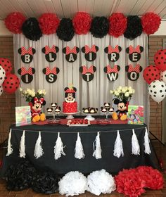 21 ideas for party birthday decoration mickey mouse clubhouse Minnie Mouse Birthday Decorations, Minnie Mouse Theme Party, Fiesta Mickey Mouse, Mickey Mouse Clubhouse Birthday Party, Red Minnie Mouse, Mickey Party, Mickey Mouse Birthday, Mouse Parties, 2nd Birthday