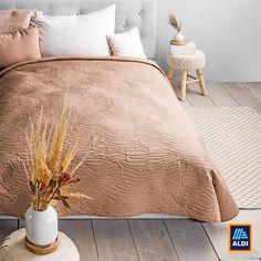 Segítünk beágyazni, legalábbis az ágytakarót mi adjuk hozzá! Kövess minket Instagramon is: @aldi.magyarorszag! Comforters, Blanket, Bed, Home, Creature Comforts, Quilts, Stream Bed, Ad Home, Blankets