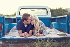 Love this session! Jessie Alexis Photography: Hailey + Jordan's engagement session