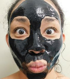 Amazing Blackhead Remover Charcoal Mask Reading Wahine-This amazing charcoal blackhead remover mask will leave you with smooth skin. It works like a nose strip, but covers your entire face. Charcoal Mask Benefits, Charcoal Mask Peel, Chocolate Face Mask, At Home Hair Removal, Blackhead Remover, Blackhead Mask, Diy Mask, Skin Brightening, Facial Masks