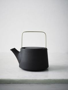 What d& call it — Anna Lerinder Black Teapot Kitchenware, Tableware, Ceramic Pottery, Pottery Teapots, Ceramic Teapots, Ceramic Art, Tea Set, Industrial Design, Home Accessories