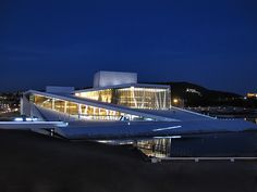 Oslo Opera Huis 's nachts.