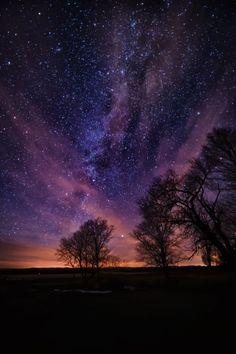 "travelingcolors: ""Milky Way, Ft. Berhold | North Dakota (by hunter20ga) """