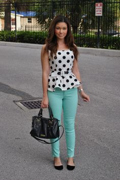 Classicly cute street style: mint pants and polka dotted peplum. Peplum Top Outfits, Casual Outfits, Summer Outfits, Cute Outfits, Peplum Tops, Peplum Blouse, I Love Fashion, Teen Fashion, Fashion Outfits