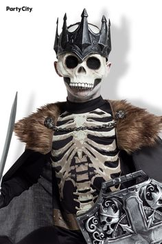 They can transform into the darkest of rulers in this eerie skeleton costume for kids! This creepy costume includes a black shirt with an off-white skeleton print and a matching black cape with a regal, detachable fur collar. They can top off their king of the dead costume with a life-like skeleton mask with a detachable black metal-look crown. Monkey Costumes, Creepy Costumes, Boy Costumes, Group Costumes, Costume Ideas, Skeleton Halloween Costume, Halloween Cat, Halloween Outfits, Skeleton Mask