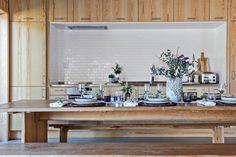 Djupuddsvägen 2, Marstrand - Instön, Kungälv — Bjurfors Swedish House, Table Settings, Dining Table, Furniture, Home Decor, Dining Room Table, Decoration Home, Room Decor, Table Top Decorations