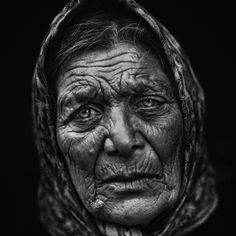 Face, Portrait, intense, aged, scarf, a face that have lived, sorrow, sadness, wrinckles, oldie, photograph, photo b/w.
