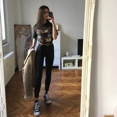 Which one is your favorite outfit? Hipster Outfits, Retro Outfits, Grunge Outfits, Vintage Outfits, Streetwear, Gucci, Outfits With Converse, Winter Fashion Outfits, Ootd Fashion