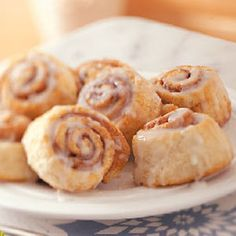 Morning Cinnamon Rolls made with canned crescent rolls! This recipe uses reduced fat crescents and splenda but you can change it to regular crescents & sugar quite easily.  How easy is that!