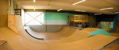 cool interior skatepark - Google Search Scooter Ramps, Mini Ramp, Skateboard Decks, Skate Park, Extreme Sports, Bmx, Bowie, Skateboarding, Parks