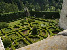 Pieskowa Skała Gardens