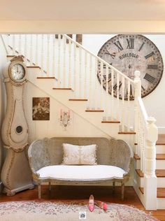 just fabulous entry. love the carpet for the hint of pink mixed with all the grey and creme