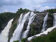 The Barachukki falls are located a few kilometres from the Gaganachukki falls making is a double treat for the nature lovers as you could visit both the falls on the same day or trip. These falls are located amid the rocks, resulting in jagged rocks lining the waterfalls. There are many signs and warnings for people to warn them against attempting to go close to the falls.http://www.androidinfosys.com/