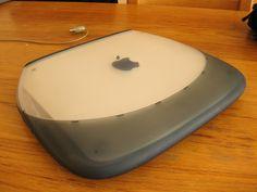 Apple iBook PPC G3 by bjorn.keizers, via Flickr