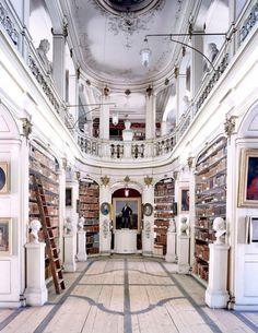 i believe in the wisdom of books