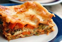 Skinny Veggie Lasagna Guide for packing a healthy lunch. fresh veggie pizza recipe Recipes Cooking at Home Healthy Cooking, Healthy Eating, Cooking Recipes, Cooking Tips, Healthy Food, Veggie Lasagna, Vegetable Lasagne, Healthy Lasagna, Vegetarian Recipes