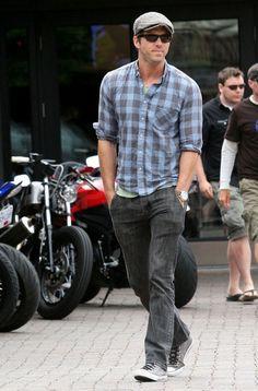 cbbeaf96f072 Men of Style  Ryan Reynolds. Ryan ReynoldsSingapore