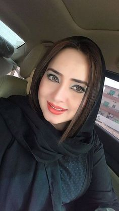Arab Girls Hijab, Girl Hijab, Muslim Girls, Beautiful Hijab Girl, Beautiful Muslim Women, Beautiful Girl Image, Beautiful Eyes, Simply Beautiful, Persian Beauties