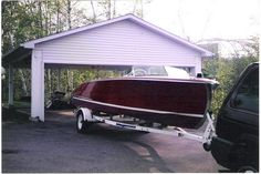 1952 Chriscraft Riviera. Where can you find one like this?  http://goldenanchormarina.on.ca/index.php?option=com_adsmanager&view=details&id=254&catid=1&Itemid=200&lang=fr