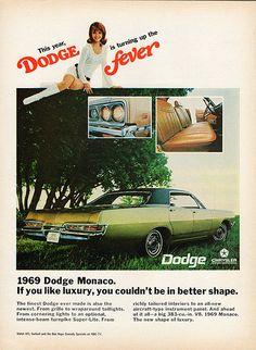 1969 Dodge Monaco 4-Door Hardtop