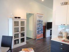 Hailuoto 153 muuttovalmiskodissa on valoisaa. Laminaatti Avenue Oak 584 sarja Vitality. Seinät maali F497/paperinvalkoinen