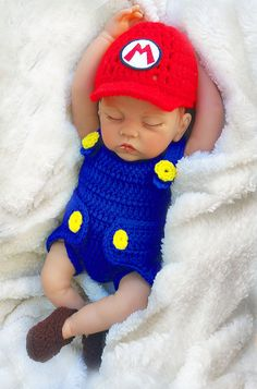 Super Mario Bros Baby Photo Prop Crochet Diaper Cover Set Baby Crochet Outfit… I acquired classic crochet at an exceedingly … Crochet Kids Hats, Crochet Baby Clothes, Crochet For Boys, Newborn Crochet, Hat Crochet, Crochet Cocoon, Crochet Ideas, Crochet Patterns, Baby Set