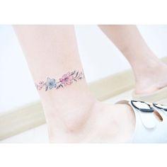 : Flower ankle bracelet  Opposite side . . #tattooistbanul #tattoo #tattooing…