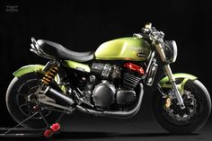 The M-Tripp is based on a Triumph Thunderbird Sport, looking at the bike you will notice that Mr. Martini has done some technical changes to British Motorcycles, Triumph Motorcycles, Custom Motorcycles, Custom Bikes, Cafe Racers, Triumph Cafe Racer, Triumph Thunderbird Sport, Triumph Triple, Cars Motorcycles