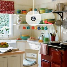 """Splendid – Small Kitchen Design Ideas and Inspiration on HGTV """"I love the simplicity and NO cabinets above the counter. The post – Small Kitchen Design Ideas and Inspiration on HGTV """" . Classic Kitchen, Vintage Kitchen, New Kitchen, Kitchen Small, Kitchen Country, Awesome Kitchen, Narrow Kitchen, Happy Kitchen, Kitchen Modern"""