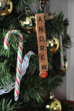 Adorable and affordable way to personalize your tree!  #prettysmart